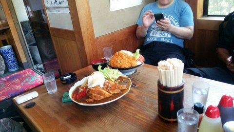 お食事処 ぼんちのミックスフライ丼とチキンカツカレー