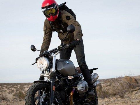 BELLヘルメット MOTO3②